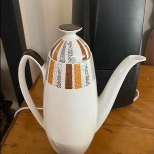Retro English Coffee Pot with Jug Two Cups